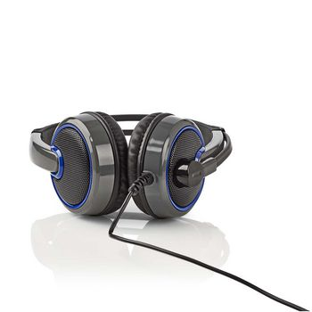 GHST200BK Gamingheadset | over-ear | microfoon | 3,5 mm connectoren In gebruik foto