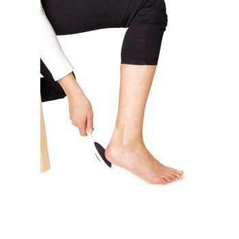 VIT-70110570 Hulpmiddel lichaamsverzorging - voetrasp In gebruik foto